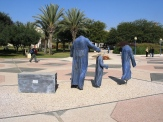 aliyah statue